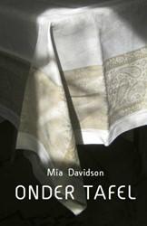 Onder tafel Davidson, Mia