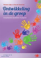 Ontwikkeling in de groep -groepsdynamica bij kinderen en jongeren Luitjes, Marianne