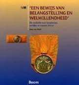 'Een bewijs van belangstelling en w -de medaille voor langdurige, e erlijke en trouwe dienst Hoof, Joep van