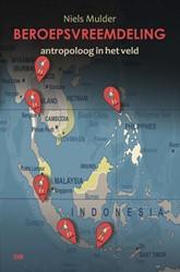 Beroepsvreeemdeling -antropoloog in het veld Mulder, Niels