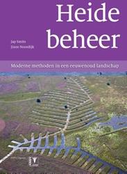 Heidebeheer -moderne methoden in een eeuwen oud landschap Smits, Jap