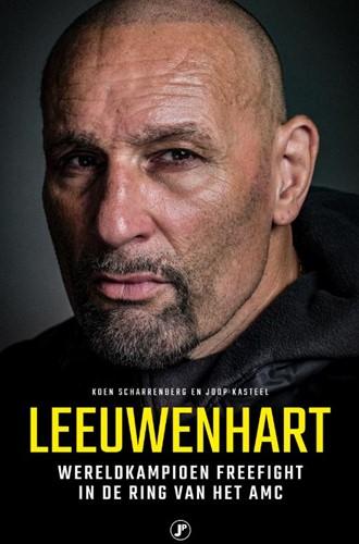 Leeuwenhart -Wereldkampioen freefight in de ring van het AMC Scharrenberg, Koen