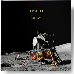 Apollo VII - XVII photography book -a collection of photographs ta ken by NASA's Apollo prog Phillipson, Simon