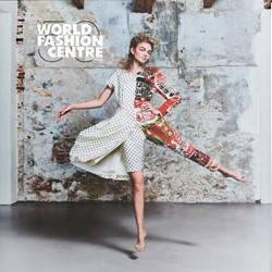World fashion centre Geuns, Isrid van