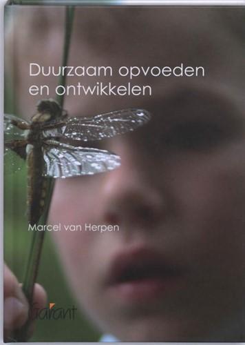 Duurzaam opvoeden en ontwikkelen Herpen, M. van