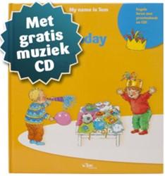 Tom's suitcase -activiteitenboek My birthday Roskam - van Woerden, Janneke