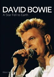 'David Bowie. A Star Fell to Earth& -a star fell to earth Hendrikse, Wim