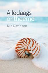 Alledaags ontheemd Davidson, Mia